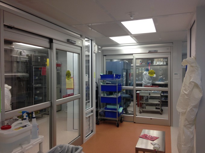 The individual cleanrooms are designed to keep staff protected from toxic agents and prevent chemical contamination.